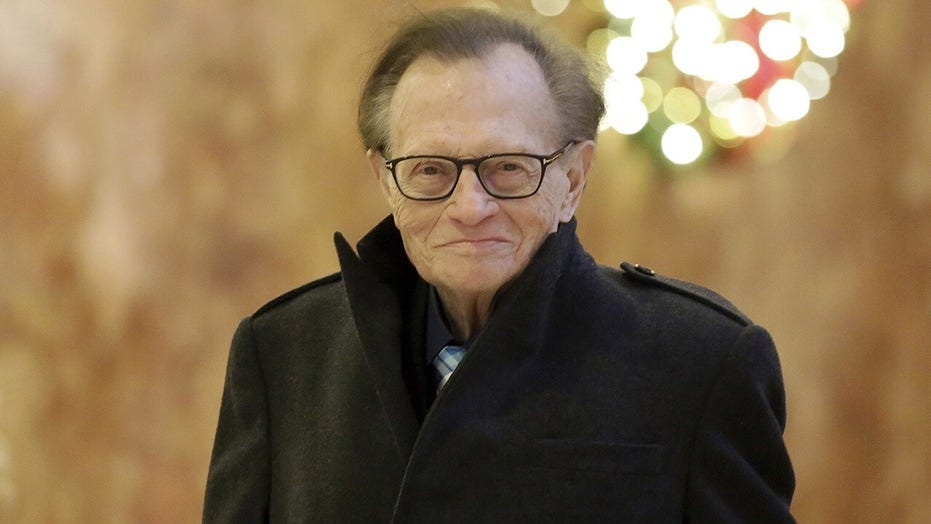 Twitter users share their favorite Larry King interviews over the years