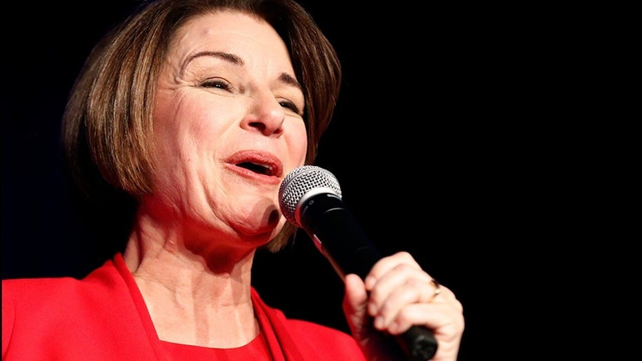 Klobuchar mocked for latest attempt to relate to Latino voters after failing to name Mexico's president