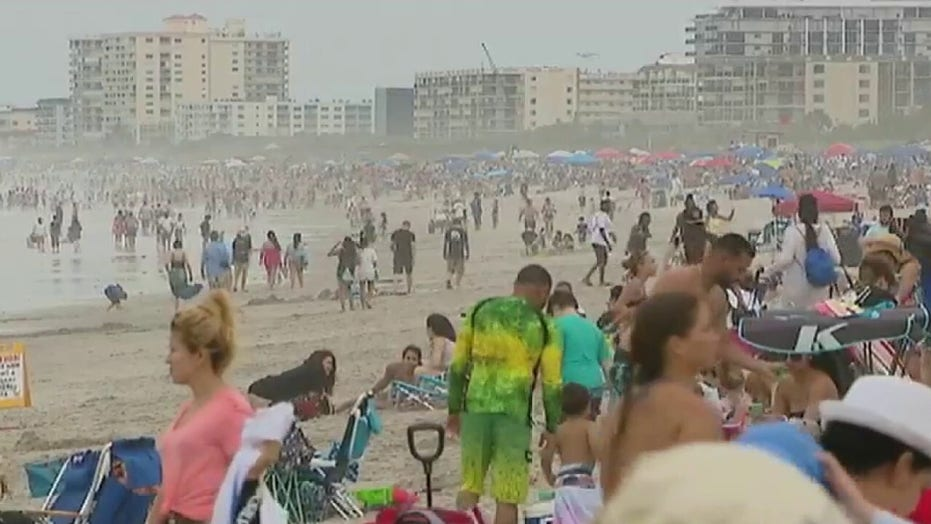 Memorial Day weekend draws big crowds to Florida beaches