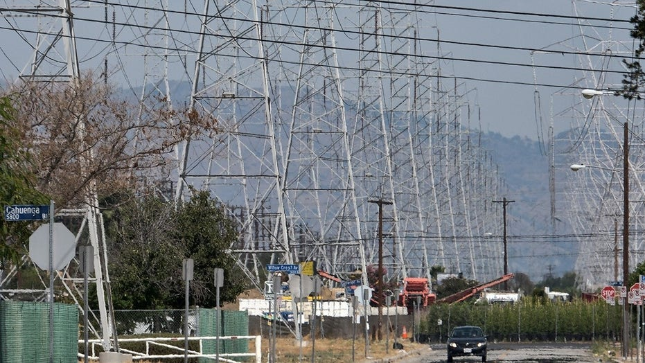 California residents urged to conserve energy amid heat wave