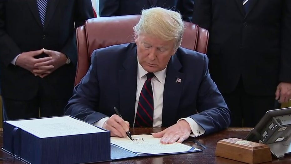 Trump thanks Republicans, Democrats for coming together on COVID-19 stimulus