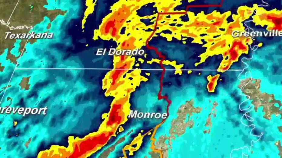 Tornado strikes Monroe, Louisiana, 20 homes damaged