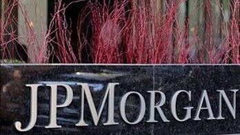 President Trump praises JPMorgan for instructing trading staff to return to office
