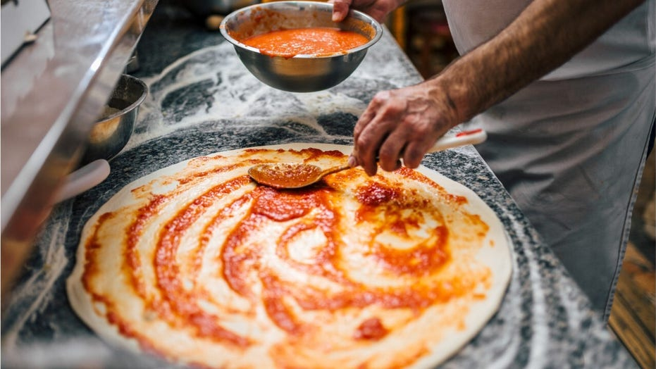 Be a pizza expert: 5 signs you're at a bad slice shop