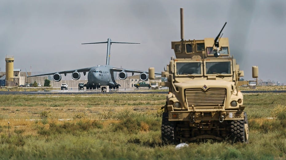 Pace of US evacuation flights from Afghanistan slowing one day before Biden's deadline: 官员
