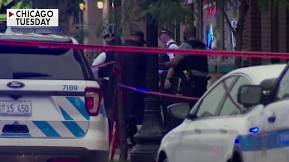 Witnesses describe shooting outside Chicago funeral home as a war zone