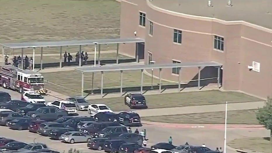 Report of active shooter, multiple people hurt in Texas high school