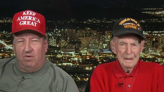 100-year-old WWII veteran gets hero's welcome at Trump rally