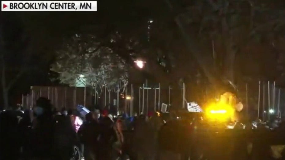 LIVE UPDATES: Police, rioters clash in Minnesota; 24 arrested