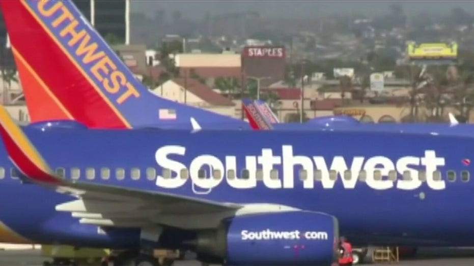 Airlines offering early retirement deals to employees