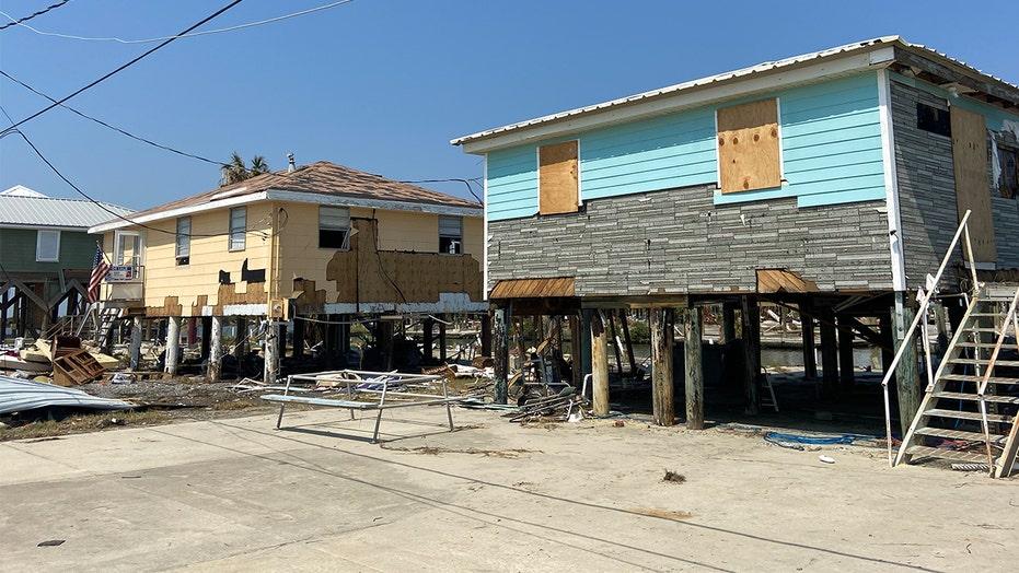 허리케인 이다로 인한 대규모 피해 이후 불확실한 외딴 루이지애나 커뮤니티의 미래