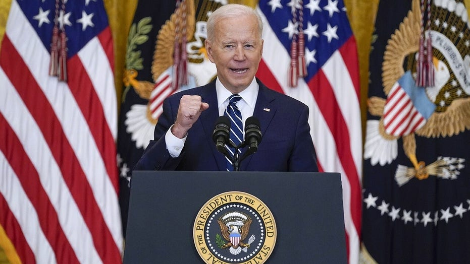 Biden blasted for 'cheat sheet' he used in Louisiana while surveying storm damage: 'Weak and incompetent'