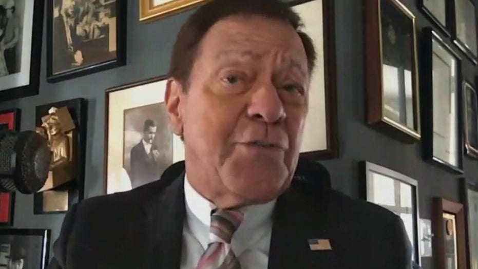 Joe Piscopo slams de Blasio over 'Columbus Day' removal from school calendar: 'We're putting our foot down'