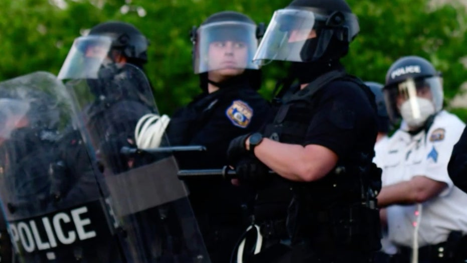 Philadelphia'sCity Council to reduce police funding by 33 million dollars