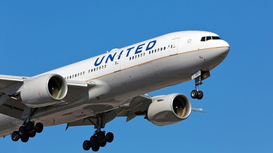 United Airlines giving vaccinated flyers free tickets