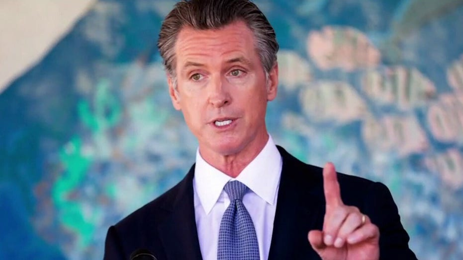 Newsom nationalizes California recall, spotlights COVID, in run-up to Tuesday's election