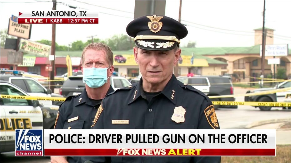 San Antonio police officer shot in hand; 2 suspects dead, third injured