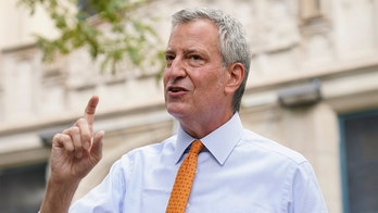 De Blasio tells New Yorkers not to travel for the holidays