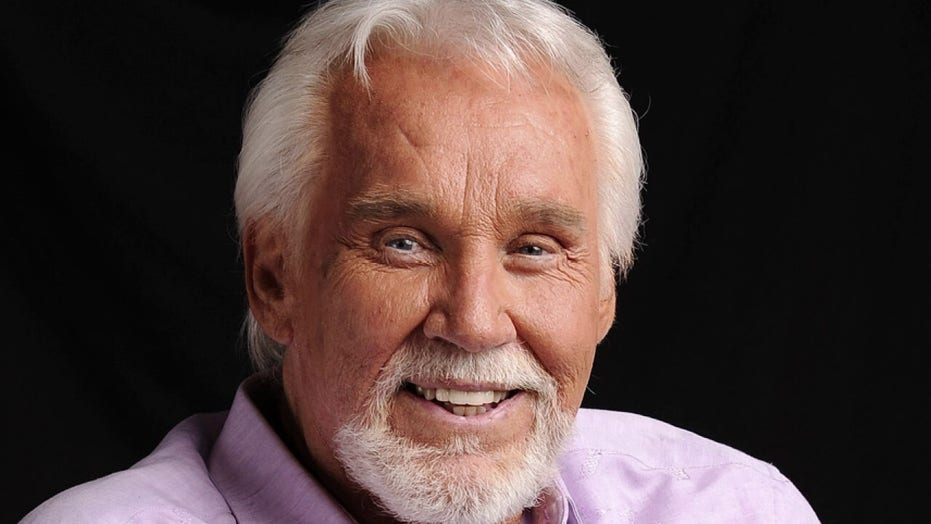 Kenny Rogers Sister Shares Memories Of Late Country Singer In Doc