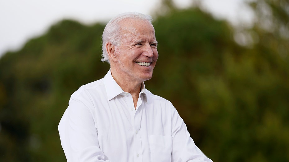 Ben Shapiro calls Biden a 'gateway drug to radicalism', non un ritorno alla normalità