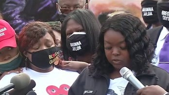 Breonna Taylor family attorney calls for grand jury transcripts