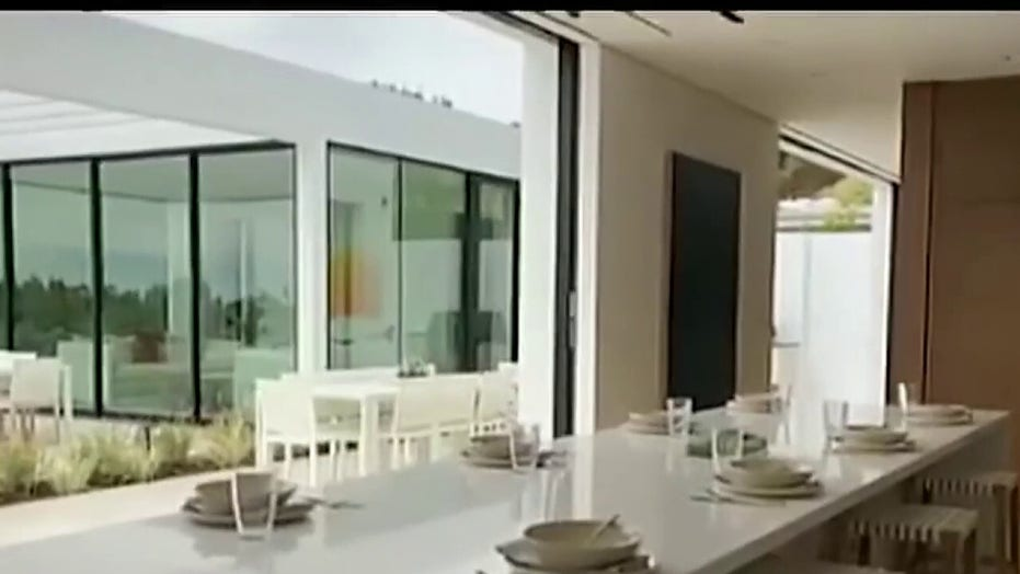 Real estate agents host virtual open houses during coronavirus outbreak
