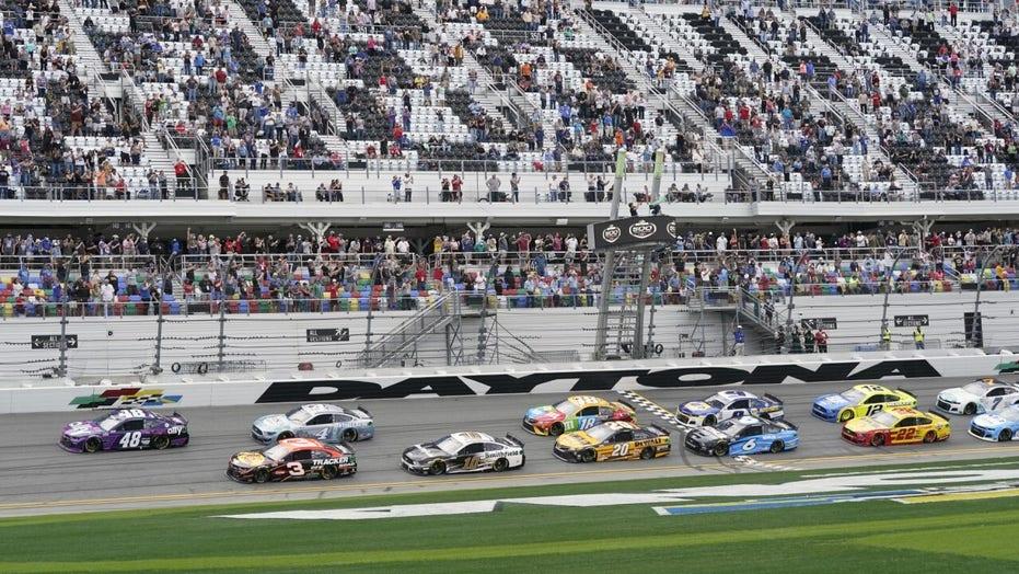 Daytona 500 scheduled to restart at 9 p.m. after 5-hour rain delay