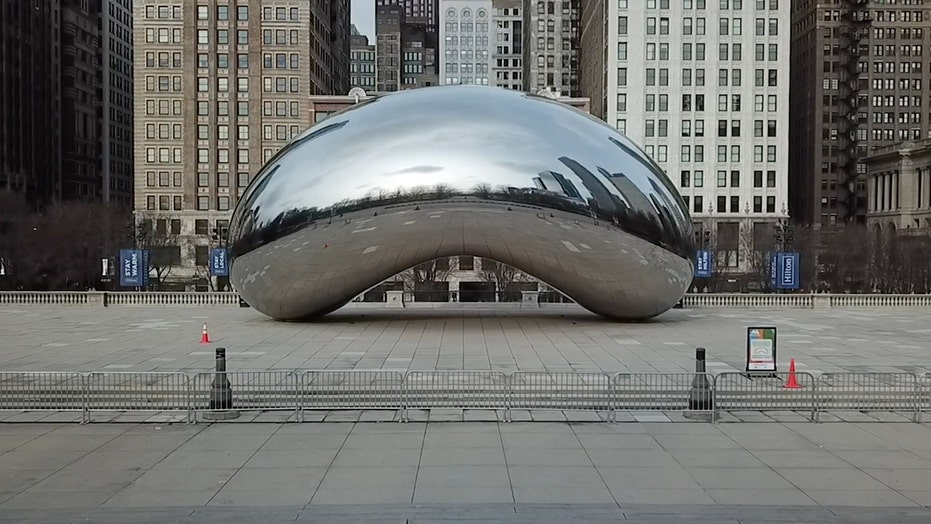Coronavirus causes empty Chicago streets
