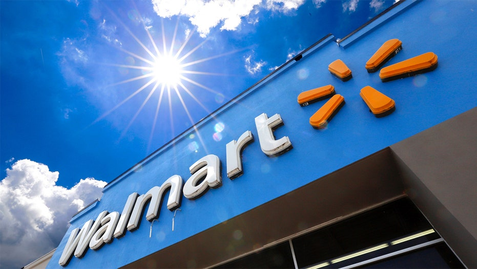 Walmart in talks to bring 5G to health centers