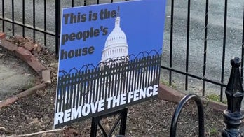 Support building to remove security fence surrounding US Capitol