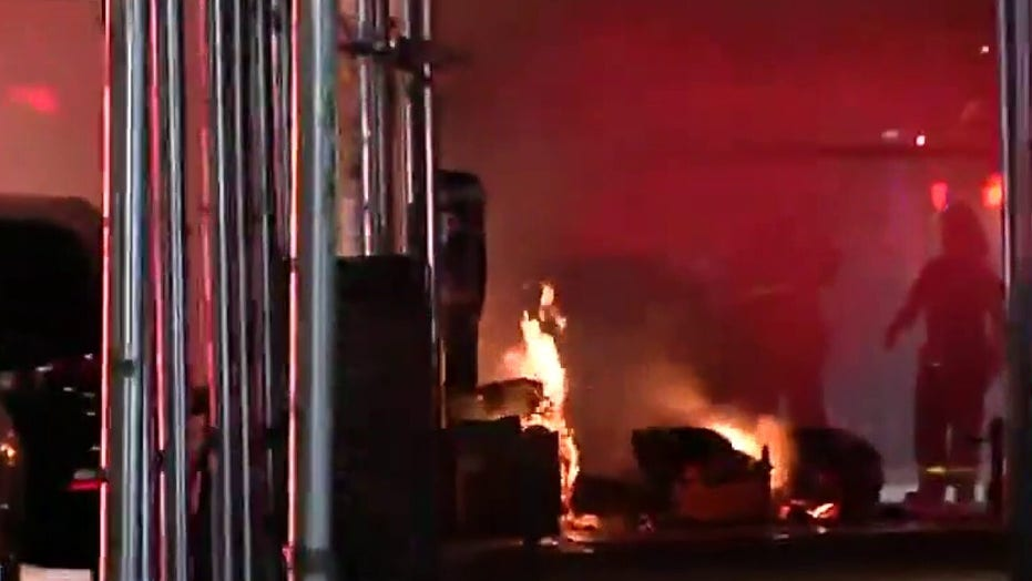 George Floyd protesters in New York ramp up situation setting fires