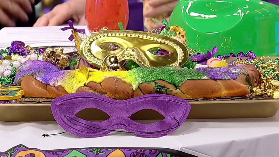 Popeyes decorated New Orleans restaurants with Mardi Gras floats despite parade shutdown