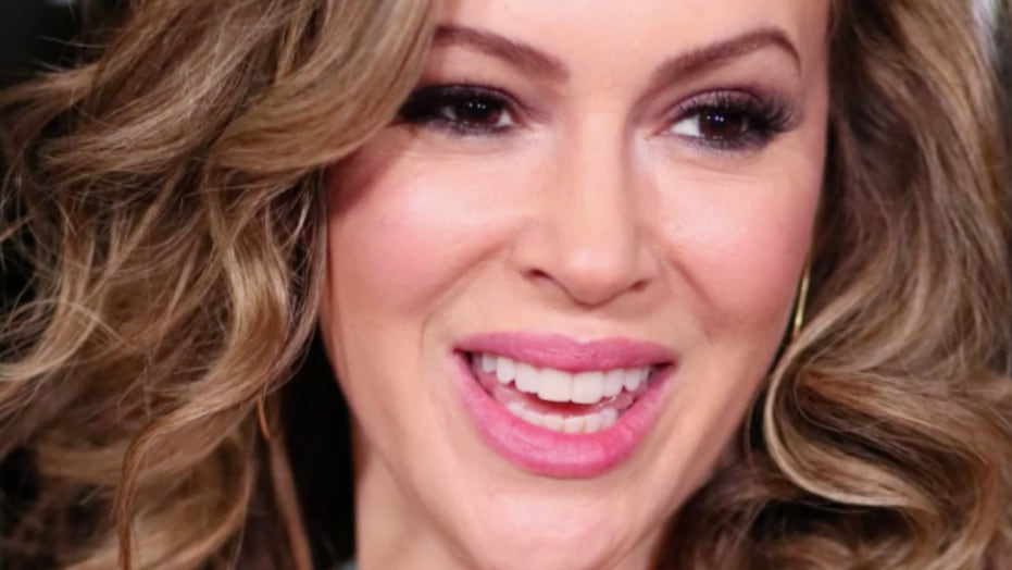 Alyssa Milano takes to social media and calls for a national shutdown