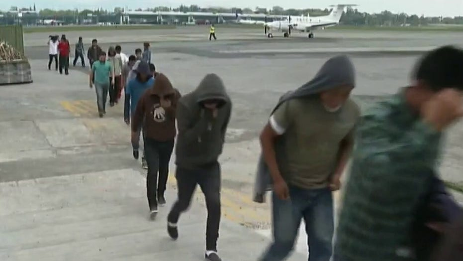 Migrant numbers increase along US-Mexico border as they await Biden's immigration action
