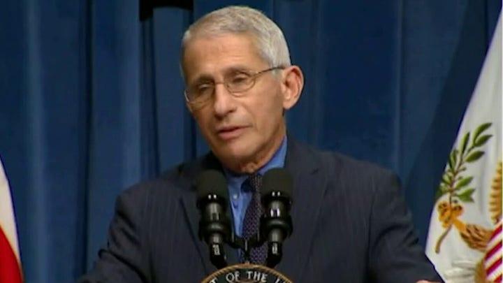 L'administration Biden dit que le travail de Fauci est sûr pour le moment