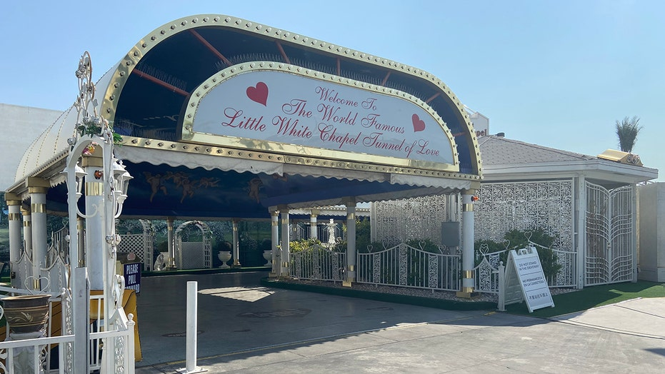 Vegas wedding industry booms 1 year after COVID-19 shutdown