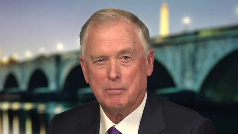 Former VP Quayle calls Trump absence from Biden inauguration 'unfortunate'