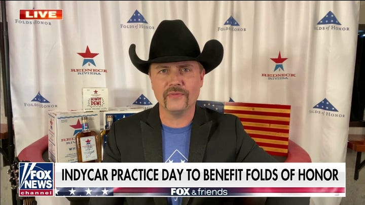 John Rich teams with Folds of Honor for IndyCar practice day to help military families
