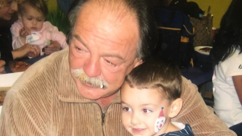 Daughter mourns father's nursing home death: 'No one deserves to die alone'