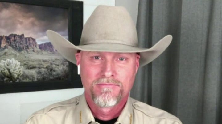 Cartel smuggling drugs, people through unfinished Trump border wall: Arizona sheriff