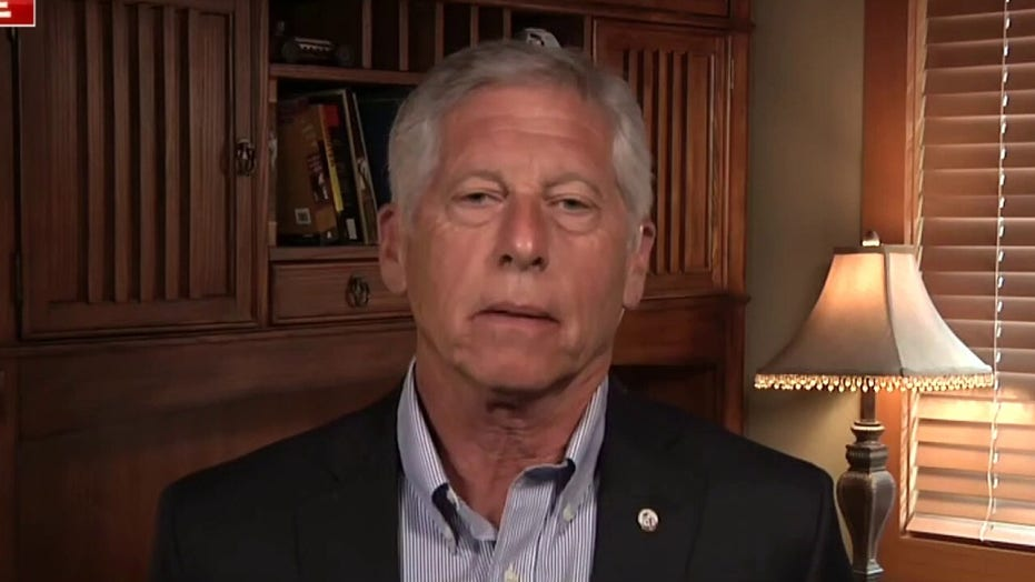 Mark Fuhrman uncovers new details in the unsolved cases of Natalee Holloway, Bob Crane