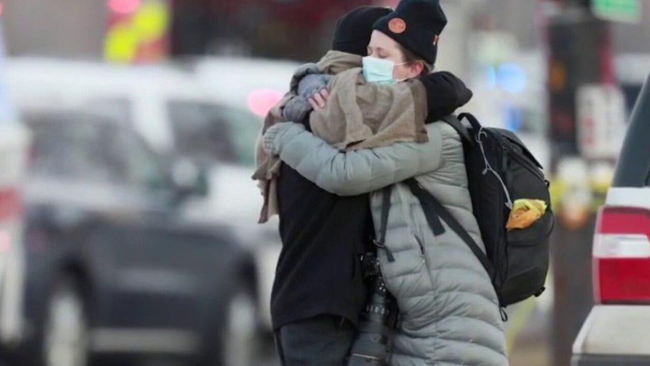 Colorado shooting suspect in custody, witnesses say gunman targeted victims