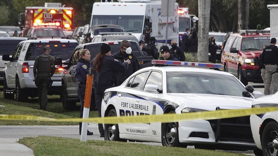 FBI agents killed in Florida: Suspect reportedly used doorbell cam, fired assault rifle through closed door