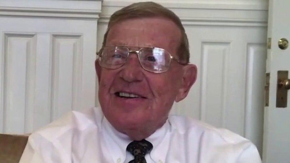 Lou Holtz on Trump awarding him Medal of Freedom: I'm humbled