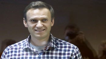 US announces Russia sanctions over poisoning of Alexei Navalny