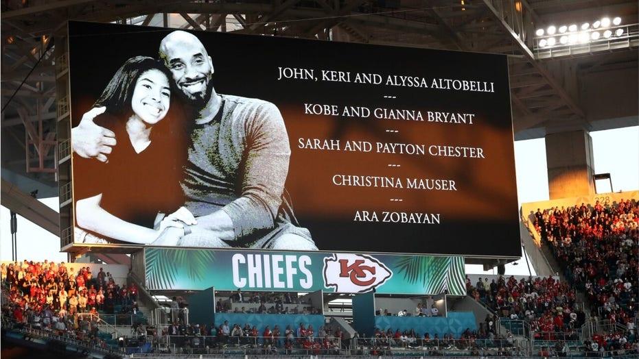 Chiefs, 49ers honor Kobe Bryant before Super Bowl LIV