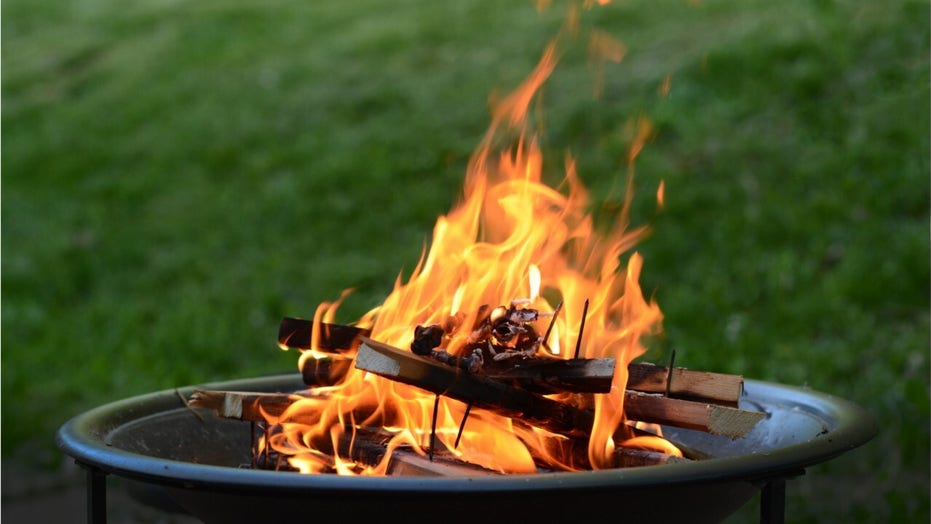 Four different fire pit ideas for your backyard