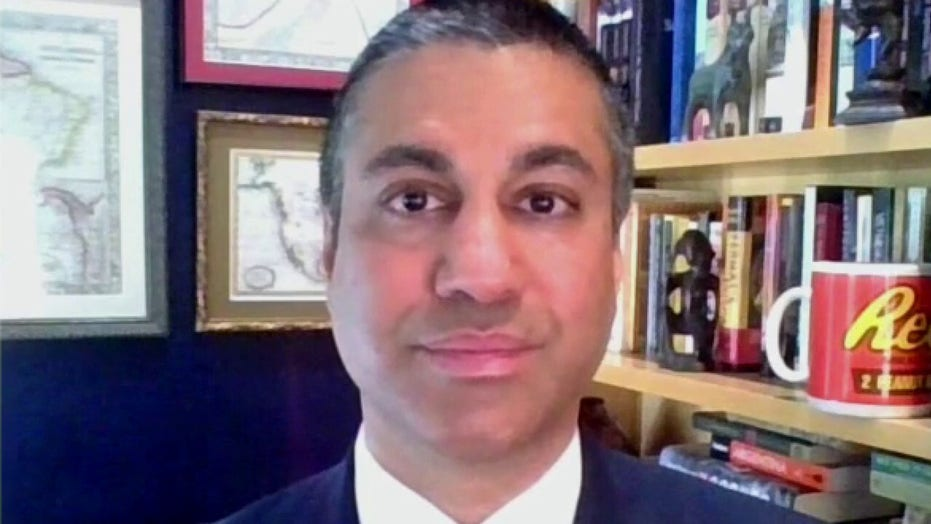 Government-funded internet will stifle innovation and hurt consumers: Former FCC chairman