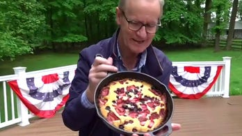 Steve Doocy grills up built-in cheeseburgers and red, white and blue cobbler