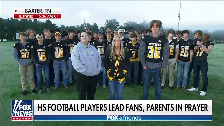 Tennessee high school football player speaks out after leading team in prayer: 'I had to do that'